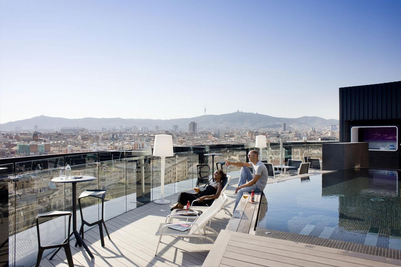 vejret i barcelona året rundt